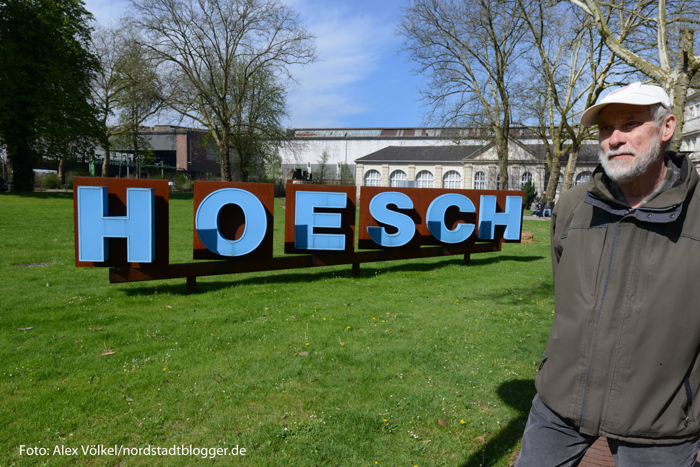 Hans Reimund Hahn geht mit auf die Spurensuche nach der Geschichte von Hoesch. Foto: Alex Völkel