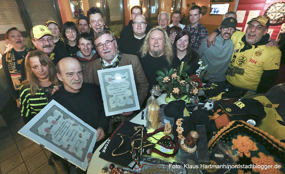 Weihnachtsfeier Bvb.Bvb Fanclub Herz Des Nordens Feiert Im Café Berta Nordstadtblogger