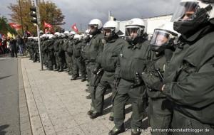 Blockade auf dem Dortmunder Hauptbahnhof am Antikriegstag 2010