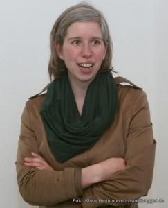 Bundesministerin Barbara Hendricks zu Gast in der Nordstadt. Nora Oertel Ribeiro ist Mitarbeiterin im Raum-Vor-Ort in der Alsenstraße