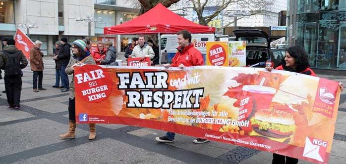 ProtestAktion der NGG vor Burger King in Dortmund