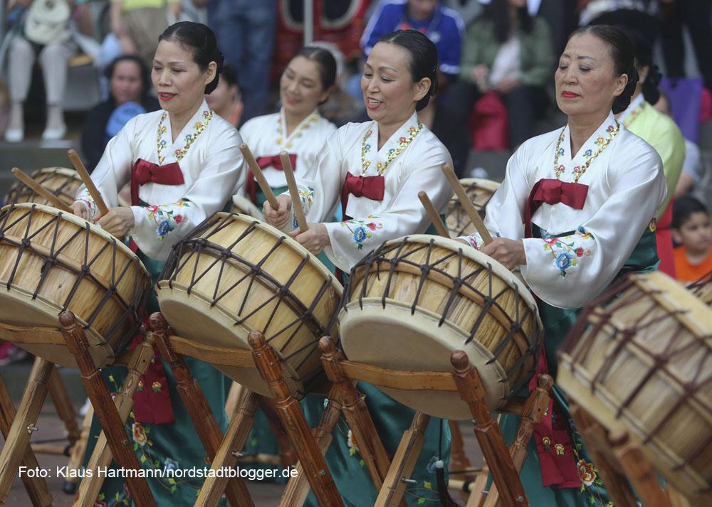 Tanzfolk 2014 am Dietrich-Keuning-Haus. Koreanische Trommelgruppe