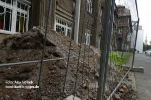 Im Jahr 2015 sollen die Sanierungsarbeiten im Fritz-Henssler-Berufskolleg beginnen. Sie werden rund 27 Millionen Euro kosten. Die Arbeiten sollen bis 2017 beendet sein.
