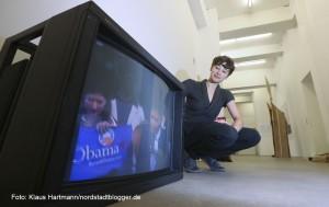 Ausstellung: Utopisten & Weltenbauer, Künstlerhaus am Sunderweg. YES, WE DREAM, Videoinstallation von Lucie Biloshytskyy