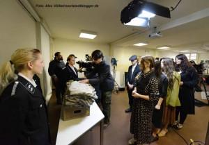 Am Donnerstag fanden die Dreharbeiten in der Steinwache statt. Foto: Alex Völkel