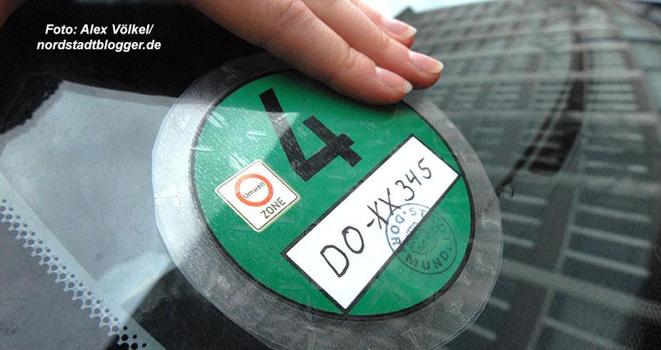 Die Einfahrt in die Umweltzone ist nur noch mit der grünen Plakette erlaubt. Foto: Alex Völkel
