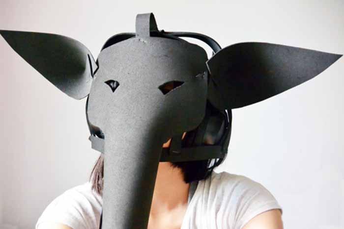 Inspiriert von im Museum ausgestellten Schandmasken fertigte Yanbo Dai interaktive Schandmasken. Hierfür bat sie verschiedene Menschen zu erzählen, was sie beschämt oder wie sie andere beschämt haben. Wer sich die Maske aufsetzt hört über integrierte Kopfhörer Auszüge der Interviews.