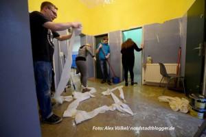 Junge Katholiken aus der Nordstadt renovieren aaktuell den Jugendtreff St. Gertrudis, wo ein Begegnungs-Café für Flüchtlinge entstehen soll.