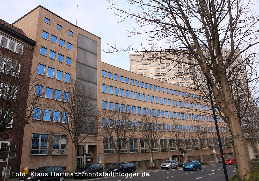 Das ehemalige AOK-Gebäude am Königswall wird neue Heimat des Studieninstitut Ruhr.