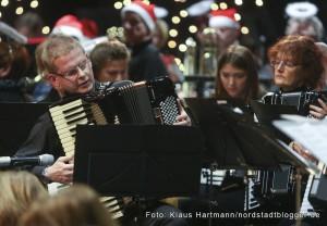 Musik im Advent mit Verleihung der Engel der Nordstadt im Dietrich-Keuning-Haus. Akkordeon-Orchester der Musikschule