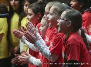 Musik im Advent mit Verleihung der Engel der Nordstadt im Dietrich-Keuning-Haus. Chor der Lessing-Grundschule