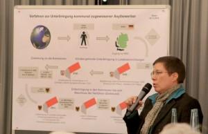 In Wickede informierte Birgit Zoerner Bürger über die geplante Unterbringung von Flüchtlingen.