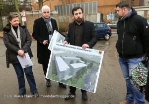 Aufbau des Ausweichquartier für das Fritz-Henßler-Berufskolleg. Projektleiter Beyazid Civgin zeigt Containerstandort