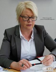 Astrid Neese resümierte die Arbeitsmarktsituation im März und sprach auch über den Ausbildungsmarkt im letzten halben Jahr.