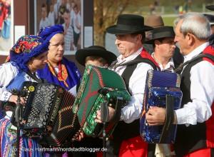Finnisage der Ausstellung, Wir: Echt Nordstadt! am Phoenixsee in Dortmund-Hörde. Portugiesiche Folkloregruppe St. Antonius