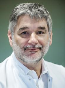 Dr. Jens-Peter Stahl, Direktor der Klinik für Unfall-, Hand- und Wiederherstellungschirurgie in der Nordstadt. Foto: Matthias Graben/Klinikum