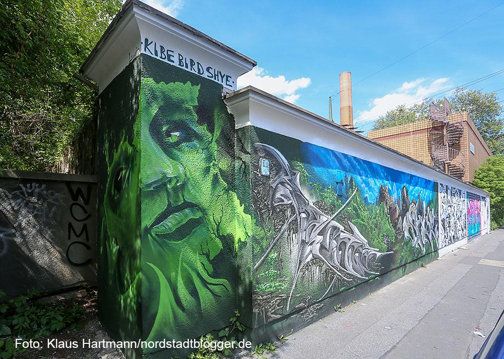 """Preisverleihung des Streetart Mauerprojektes 2015. 2. Platz: """"Urban Jungle"""", Hannes Schlachter, Christoph Wockelmann und Michael Flamme"""