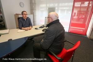 Verbraucherzentrale feiert fünfzigjähriges Jubiläum in der Reinoldistraße. Marlies Berndsen ist in den neuen Räumlichkeiten zu Besuch. Beratungssituation