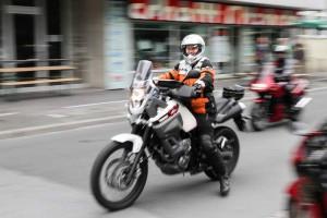 Letztes Jahr fuhren mehr als 50 Mopedfans bei strahlendem Sonnenschein mehrere Stunden durch das Sauerland