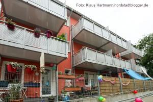 Fest des inklusiven Wohnprojektes Nettelbeckstraße. Die neuen Balkone an den Häusern in der Nettelbeck-Straße