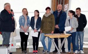 Jugendring Dortmund und Droste-Hülshoff-Realschule haben eine Kooperationsvereinbarung unterzeichnet.