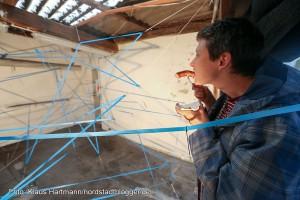 """Sommerformat """"Garage"""" im Künstlerhaus geht an den Start. Kunstaktion von Willeke van Ravenhorst aus den Niederlanden. Bratwurst und Kunst gibt es noch an zwei weiteren Terminen"""
