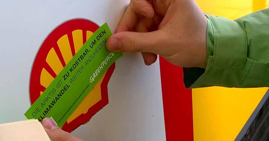 Greenpeace Dortmund protestiert gegen Ölbohrungen in der Arktis. Foto: privat