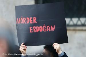 Der Bezent e. V. hatte zur Kundgebung wegen des Attentats in Ankara aufgerufen