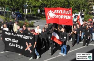 """Auf Einladung der Partei """"Die Rechte"""" gingen am 3. Oktober 2015 in Hamm gegen angebliche Überfremdung auf die Straße."""