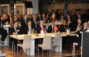 150 Gäste kamen zum Hafenabend, der im Signal-Iduna-Park stattfand.