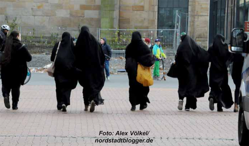 Im Dortmunder Stadtbild sind nicht nur Kopftücher zu sehen.