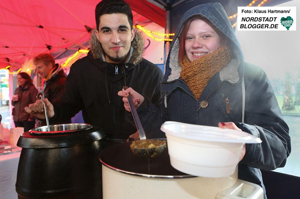 Wintermarkt auf dem Borsigplatz. Am Stand von Kohldampf gab es lecker Erbsensuppe und Glühwein