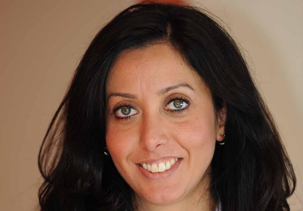 Nizaqete Bislimi ist Anwältin für Ausländer- und Asylrecht und ist 1. Vorsitzende des Bundes-Roma.Verband.