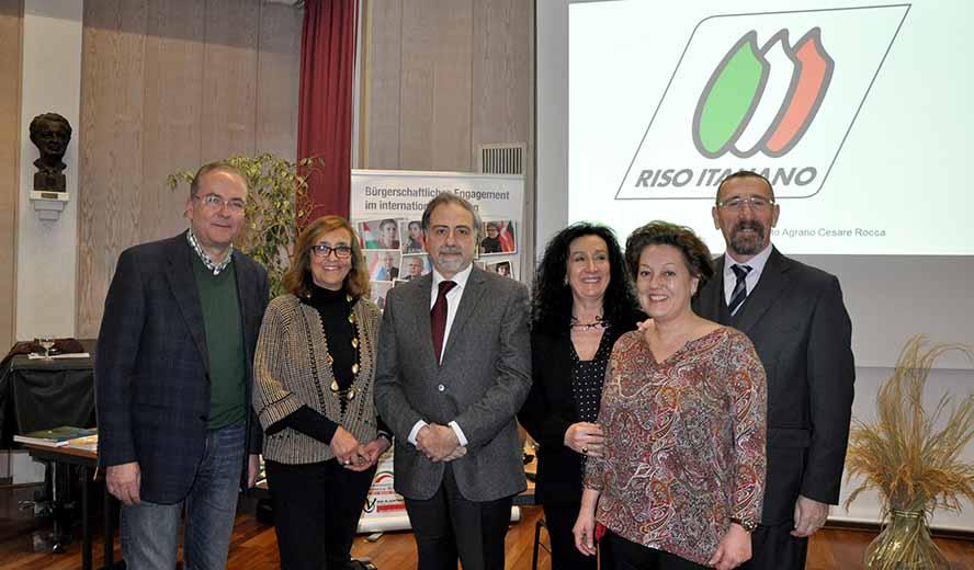 Die Organisatoren der Auslandsgesellschaft NRW e.V. mit dem Referenten Cesare Rocca (Ente Nazionale Risi, rechts) und dem Konsul (3. V. l).