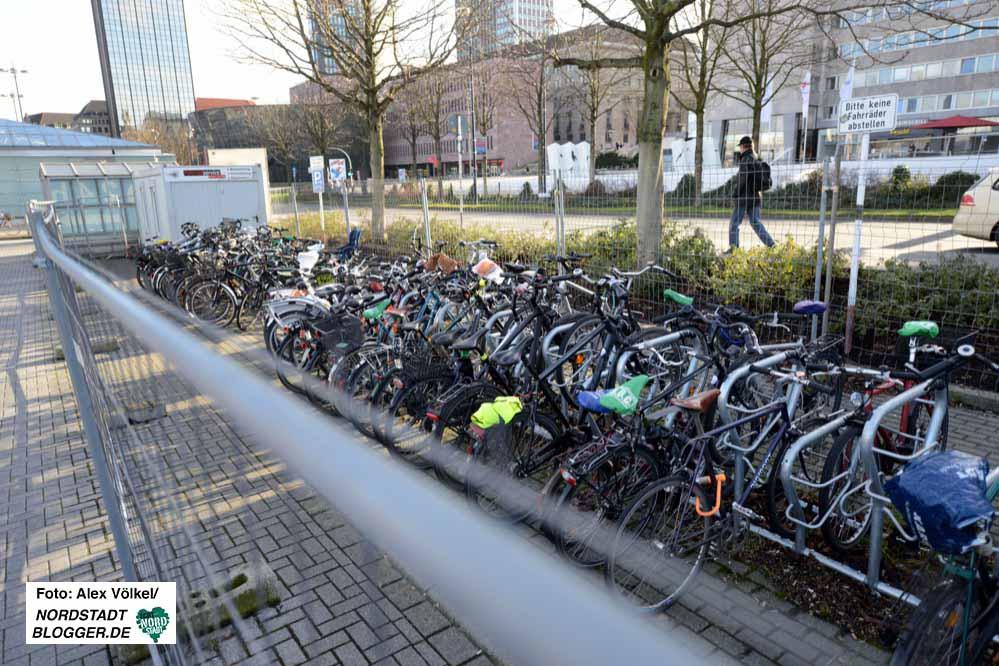 Die provisorische Anlage soll in Kürze abgebaut werden - sobald die Fahrräder umgeparkt sind.