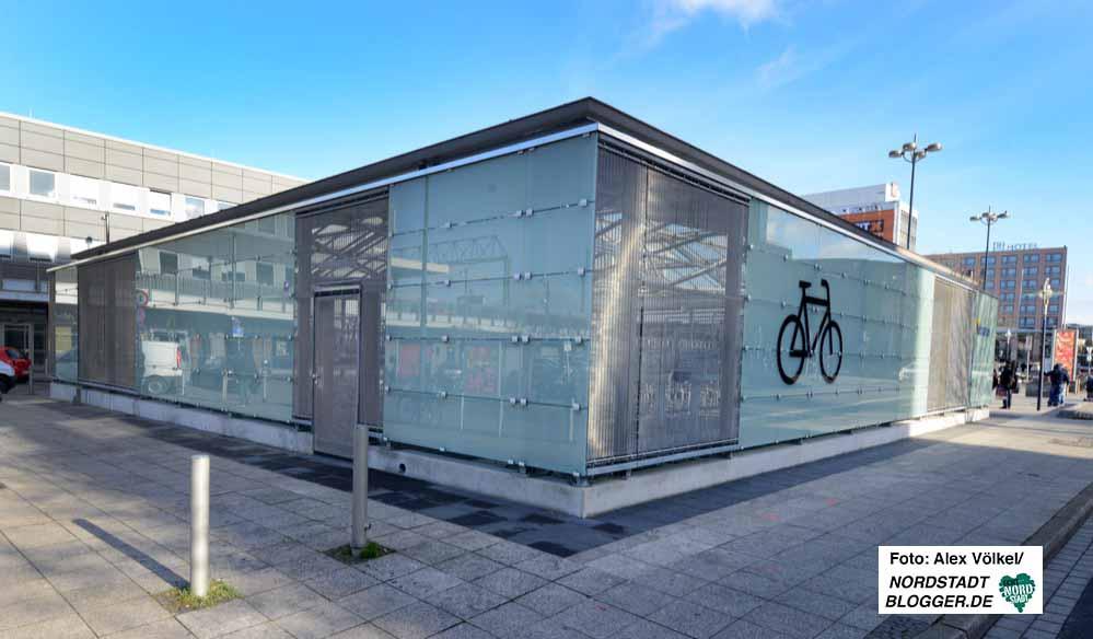 Rund 450.000 Euro hat die neue Radstation am Hauptbahnhof gekostet.