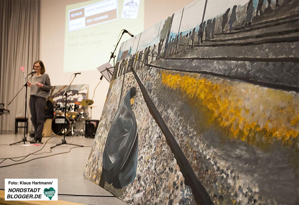 Helmholtz-Gymnasium ist Schule ohne Rassismus