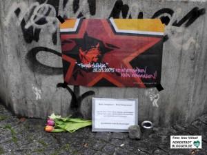 Die TeilnehmerInnen des Ostermarschs Rhein-Ruhr gedachten Thomas Schulz.
