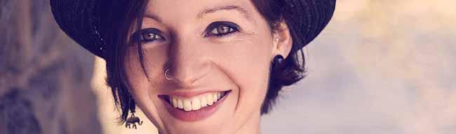 """Singer/Songwriterin Nadine Fingerhut präsentiert am Freitag ihr neues Album """"Hallo Leben"""" in der Pauluskirche"""