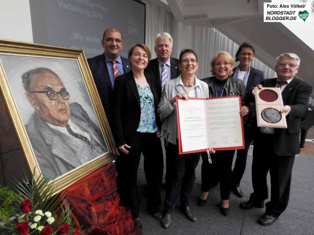 Im Rathaus fand die feierliche Preisübergabe statt. Fotos: Alex Völkel