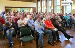 """Die Bürgerversammlung zum """"Radschnellweg Ruhr"""" fand im Paul-Gerhard-Gemeindezentrum statt."""