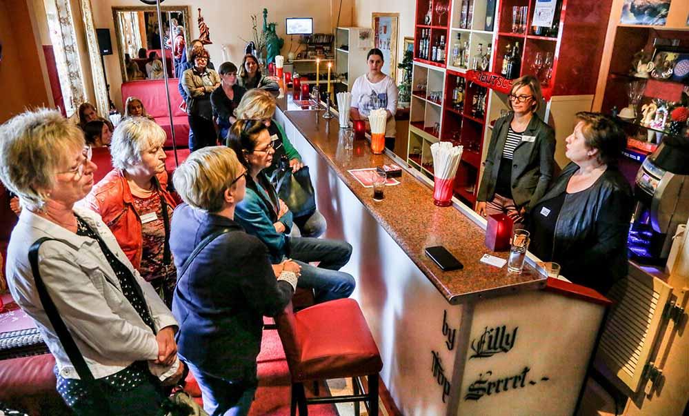 """Im Hörder Nachtclub """"Top Secret"""" trafen sich die Dortmunder Frauenverbände."""