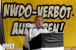 Der ehemalige Dortmunder Feuerwehr-Chef Klaus Schäfer war einer der Redner bei den Neonazis. Foto: Alex Völkel