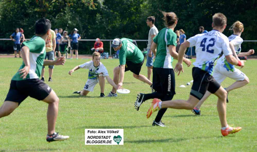 Ein Ultimate Frisbee-Turnier mit 12 Teams organisierte Torpedo Phoenix Dortmund.