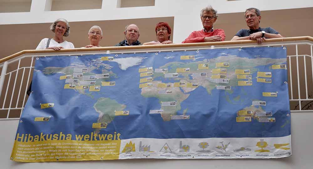 Zum Hiroshimatag haben die Veranstalter die Ausstellung HIBAKUSHA ins Dortmunder Rathaus geholt.