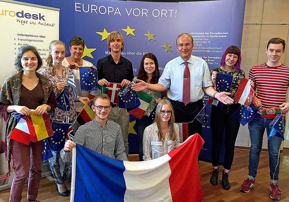 Julia Wieland und David Hinzmann (unten) arbeiten bald in Dortmund französischer Partnerstadt Amien. Der Europäische Freiwilligendienst organisiert und betreut. Foto: Joachim vom Brocke