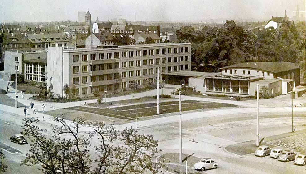 Am 25. Oktober 1956 wurde das Fritz-Henßler-Haus seiner Bestimmung übergeben.