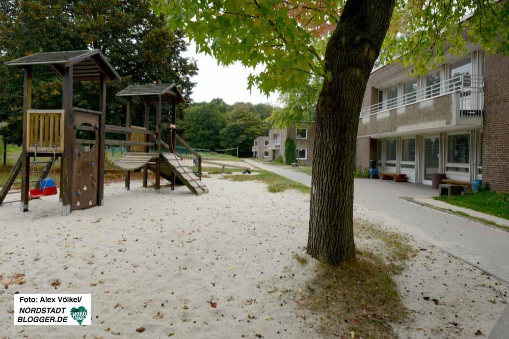 Verlassen ist das Gelände der Erstaufnahme in Hacheney. Die Gebäude sollen abgerissen werden.