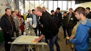 Zum zweiten Mal haben Arbeitsagentur und Jobcenter eine Ausbildungsplatztour organisiert. Fotos: Michael Schneider/JC DO