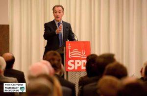 Der ehemalige SPD-Parteivorsitzende Franz Müntefering hielt die Festrede.
